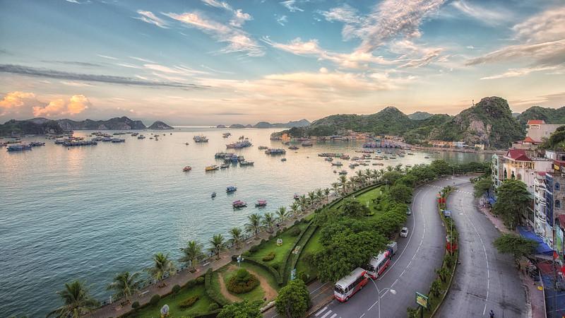 Nhung-bai-bien-dep-nhat-mien-bac-vietmountain-travel1