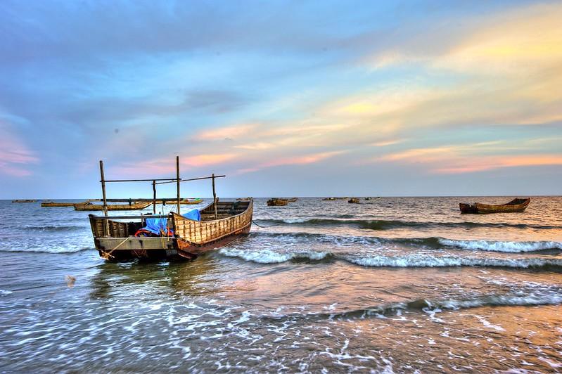 Nhung-bai-bien-dep-nhat-mien-bac-vietmountain-travel8