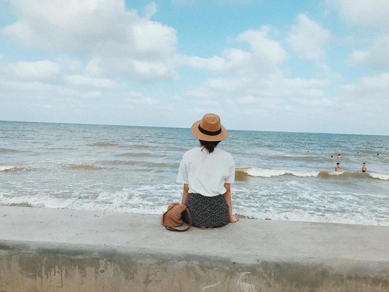 top-10-bai-bien-thien-duong-ly-tuong-cho-mua-he-o-mien-bac-vietmountain-travel8