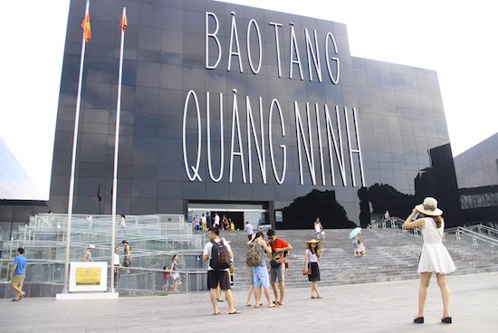 tour-ha-noi-dragon-park-vinh-ha-long-vietmountain-travel5