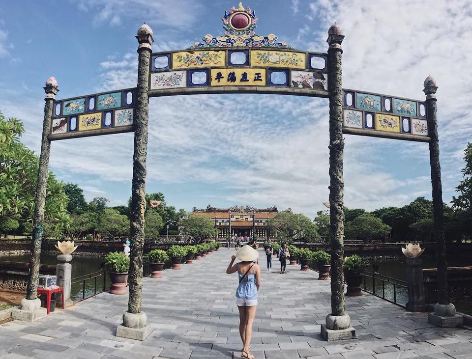 Những điểm tham quan hấp dẫn nhất không thể bỏ qua tại Huế - Vietmountain Travel 2