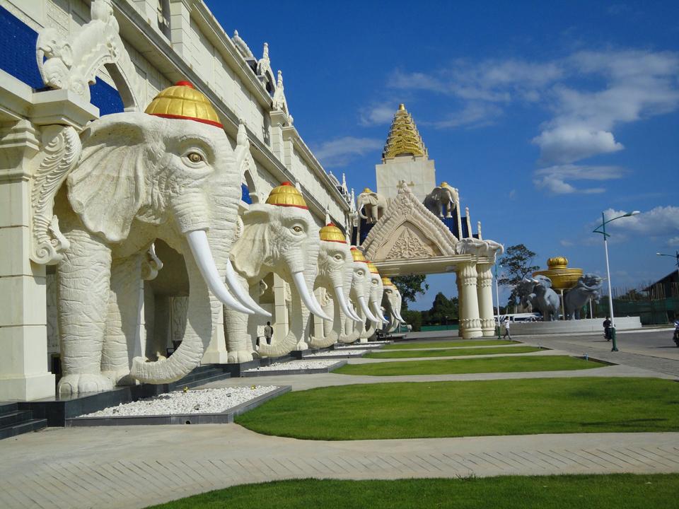 Những Địa Điểm Du Lịch Hấp Dẫn Tại Lào 1