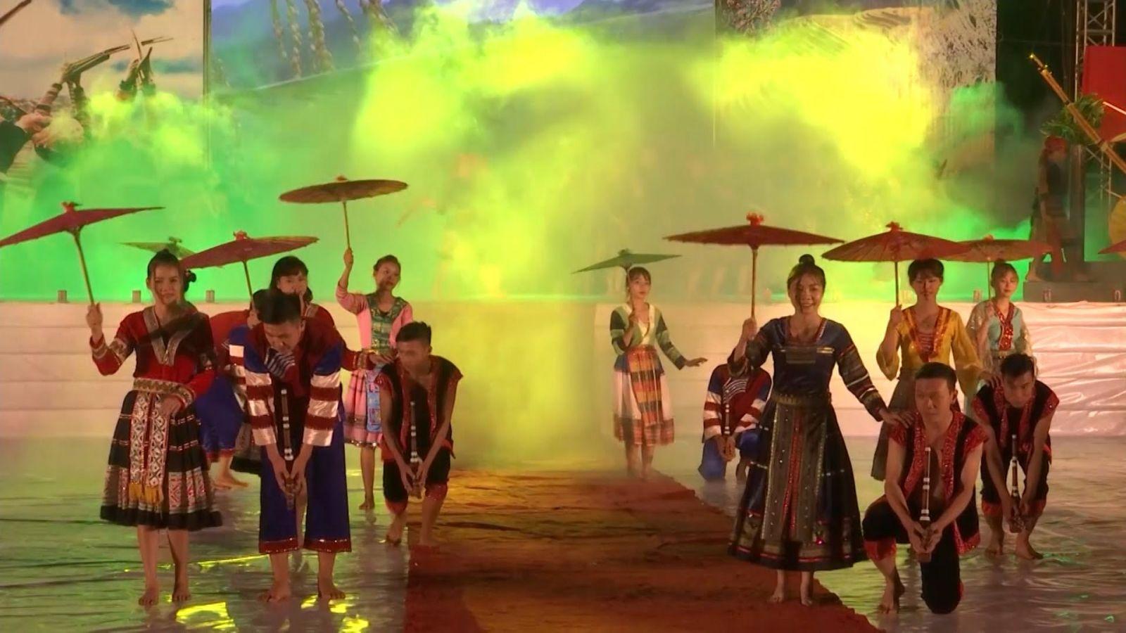 le-hoi-ruong-bac-thang-mu-cang-chai-2018-vietmountain-travel2