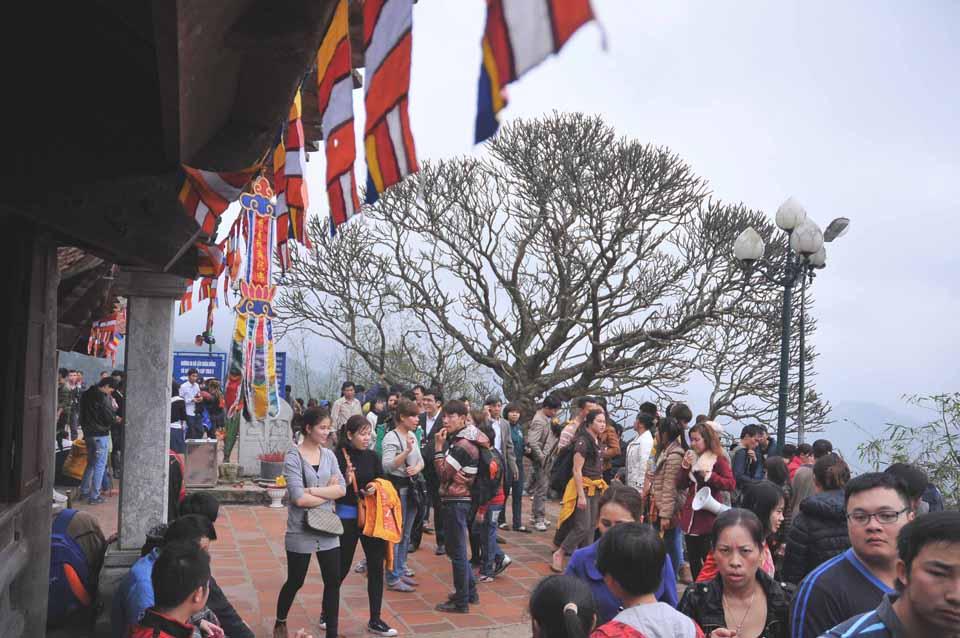 Du lịch Yên Tử mùa xuân có gì hấp dẫn? - Vietmountain Travel 1