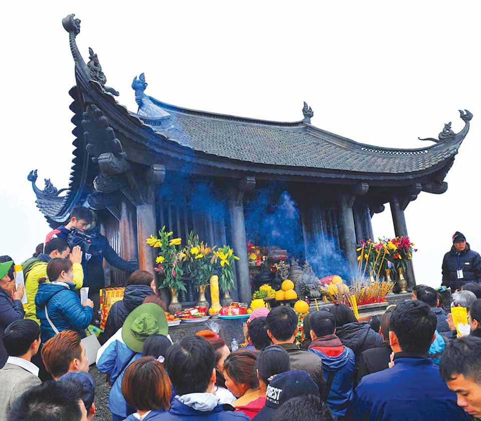 Du lịch Yên Tử mùa xuân có gì hấp dẫn? - Vietmountain Travel 2