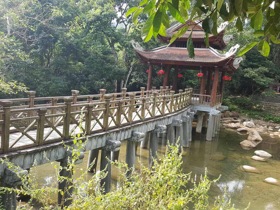 Du lịch Yên Tử mùa xuân có gì hấp dẫn? - Vietmountain Travel 5