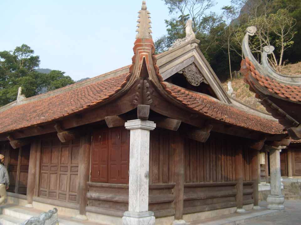 Du lịch Yên Tử mùa xuân có gì hấp dẫn? - Vietmountain Travel 6