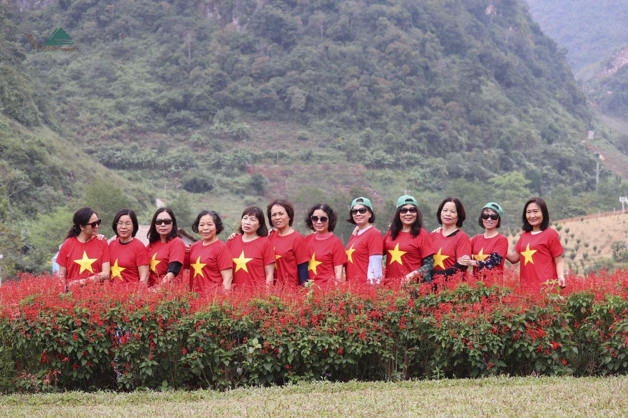 Du lịch Mộc Châu Mùa Hoa - Săn Mây Tà Xùa - Vietmountaiin Travel 2