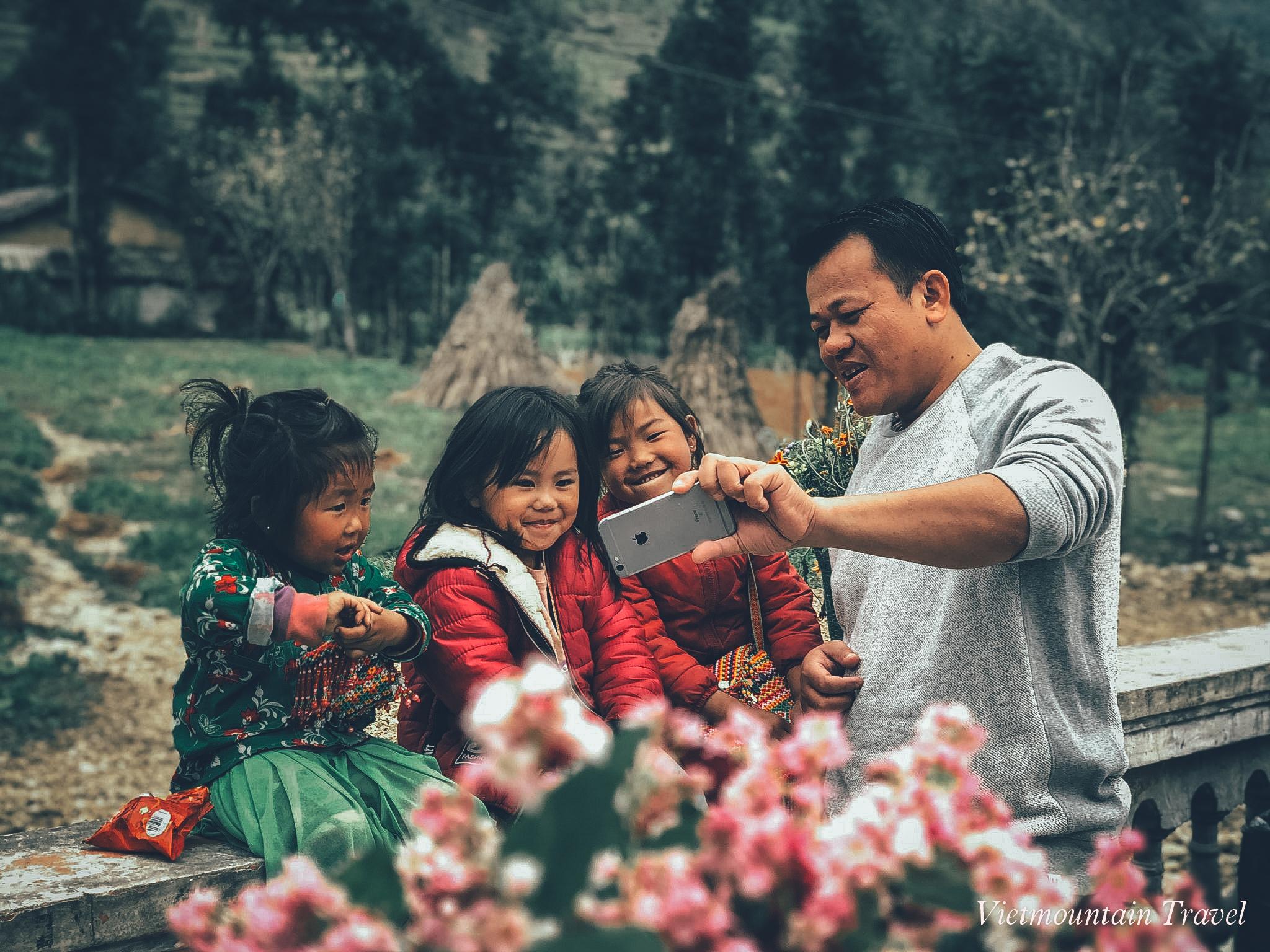 Thoi-gian-ly-tuong-de-len-ha-giang-ngam-hoa-tam-giac-mach-du-lich-nui-viet-vietmountain-travel1