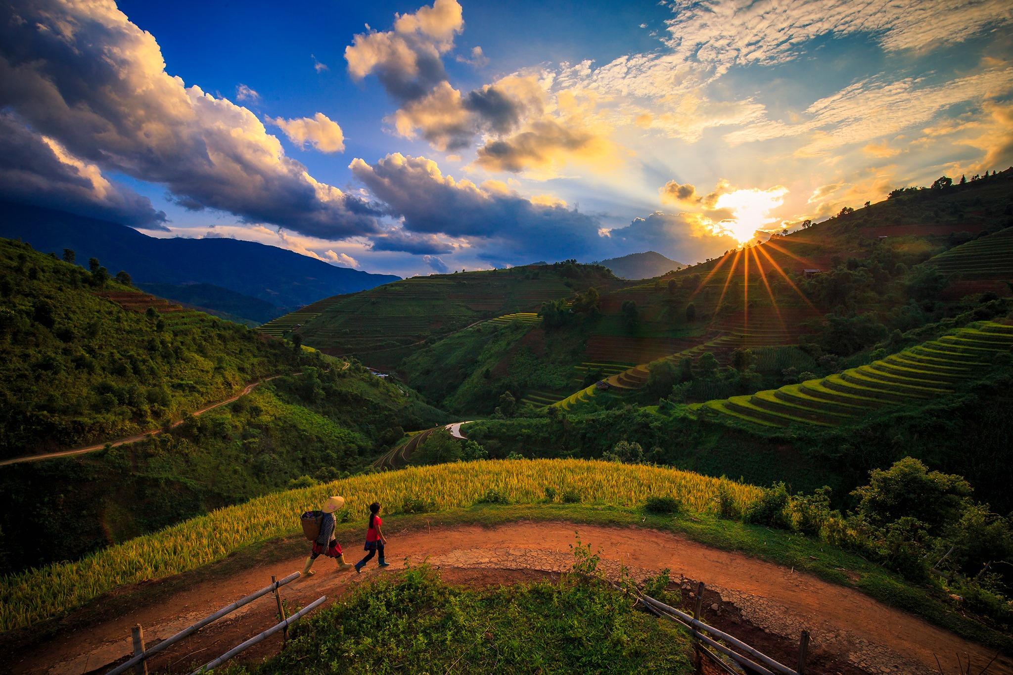 Xu-mu-lung-linh-trong-nhung-ngay-nuoc-do-vietmountain-travel1