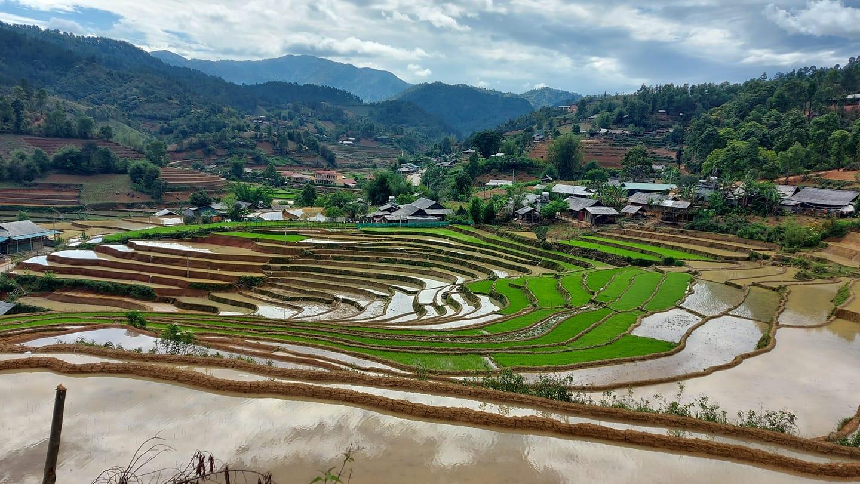 Xu-mu-lung-linh-trong-nhung-ngay-nuoc-do-vietmountain-travel5