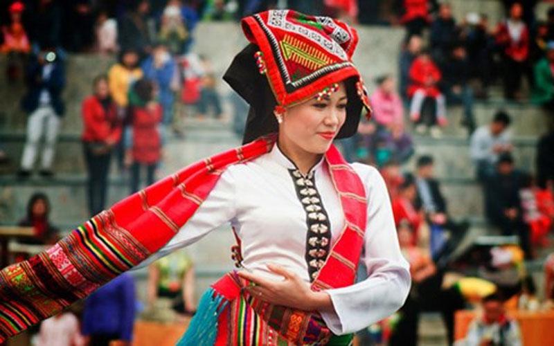 Xuan-ghe-dong-tay-bac-don-mua-le-hoi-vietmountain-travel3