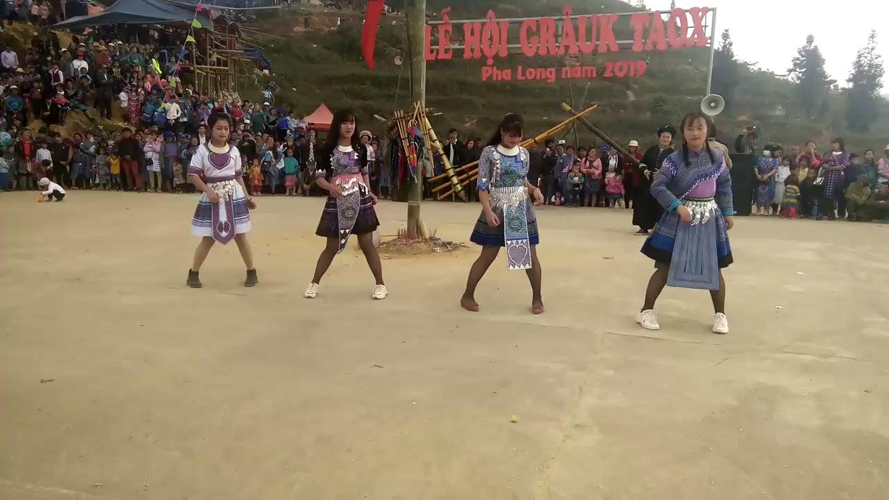 Xuan-ghe-dong-tay-bac-don-mua-le-hoi-vietmountain-travel5
