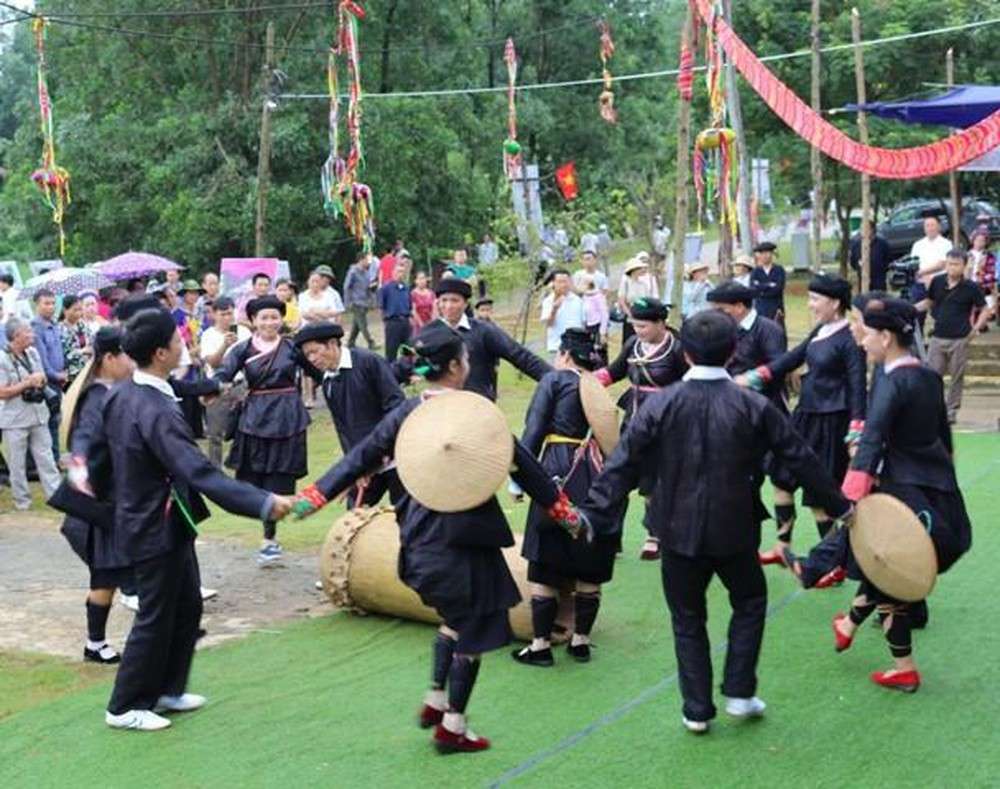 Xuan-ghe-dong-tay-bac-don-mua-le-hoi-vietmountain-travel7 (1)