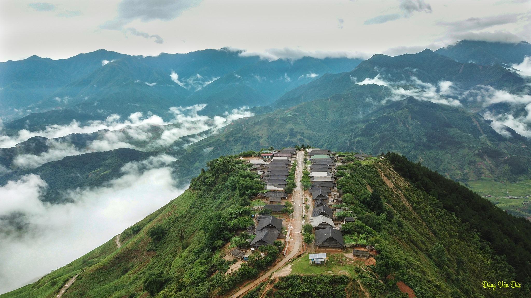 Tong-hop-nhung-dia-diem-du-lich-nui-hot-nhat-trong-dip-30-thang-4-vietmountain-travel0968011234