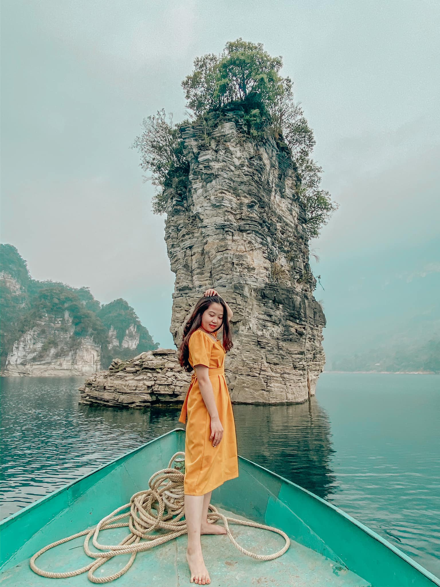 Tong-hop-nhung-dia-diem-du-lich-nui-hot-nhat-trong-dip-30-thang-4-vietmountain-travel187