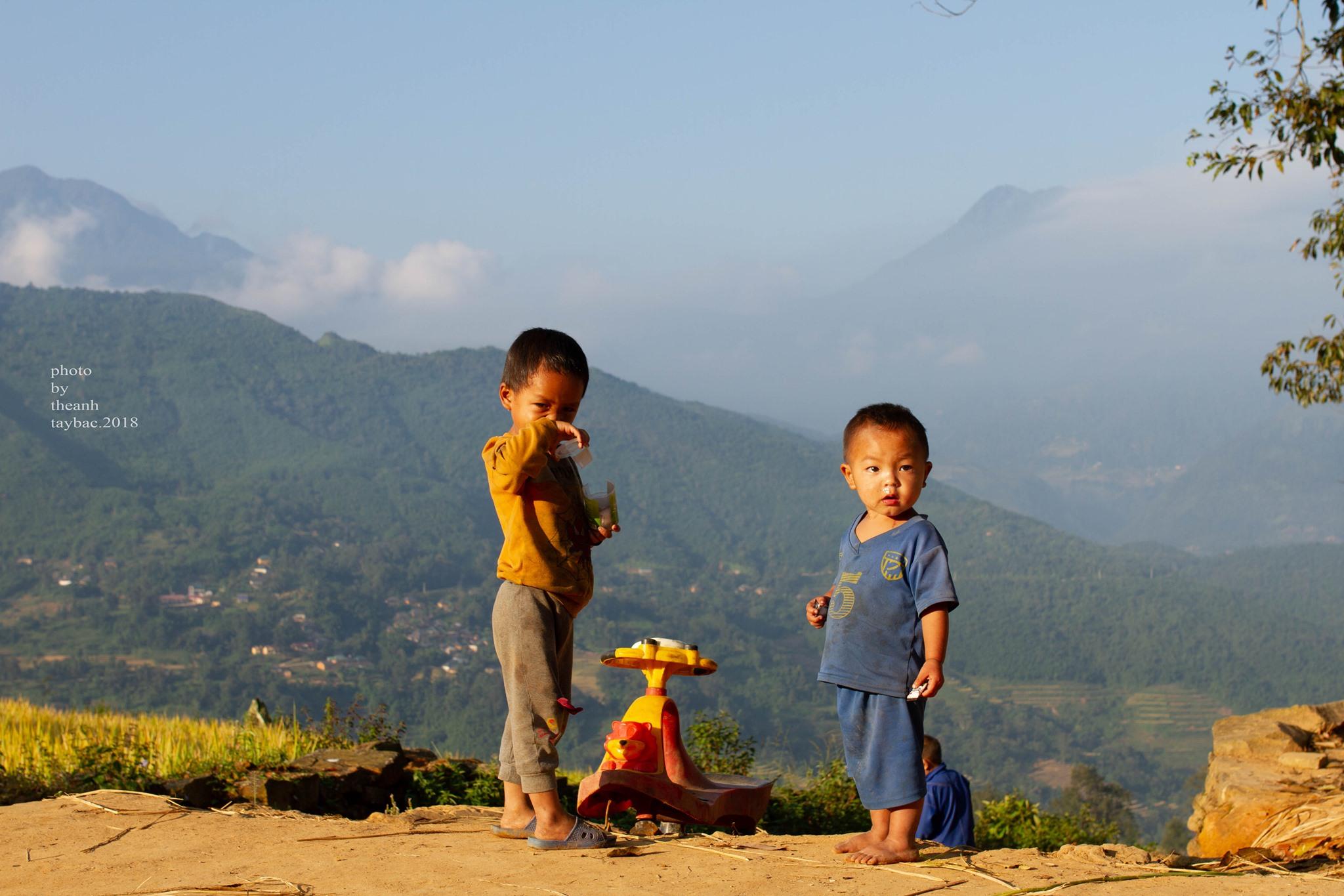 Kham-pha-nhung-ngoi-nha-trinh-tuong-doc-dao-cua-nguoi-ha-nhi-vietmountain-travel4