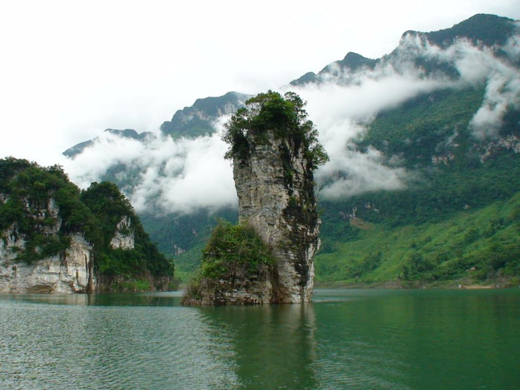 tour-ha-noi-na-hang-suoi-khoang-my-lam-vietmountaintravel5