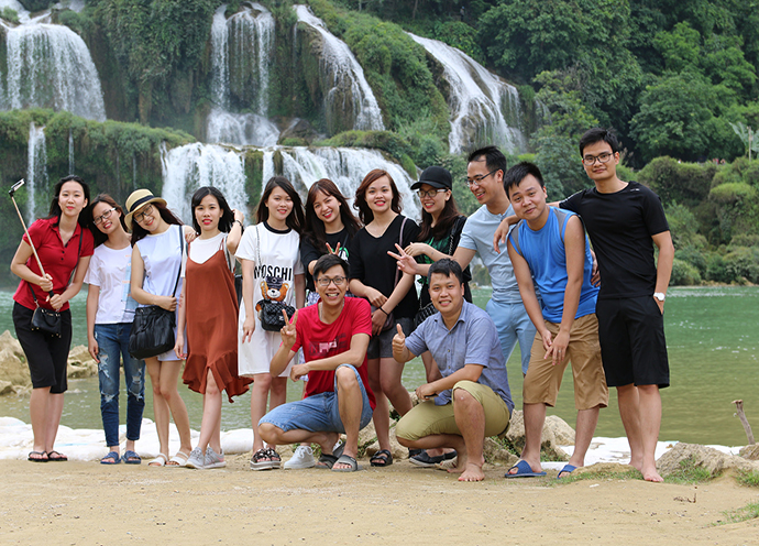 tour-ha-giang-cao-bang-vietmountain-travel5